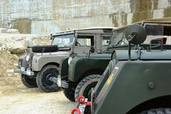 Land Rover serie Jeden w kamiennym łupie Zdjęcie Royalty Free
