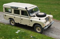 ` 109 Land-Rover Seriess III Stockfotos