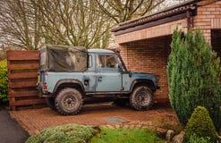 Land Rover - Wochenendenabenteuer stockbilder