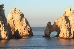 Land's End-Bogen und Felsen Stockfotos