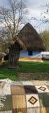 Land-seitliches Haus mit rauem Stockbilder