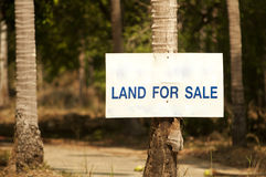 Land sor sale sign Royalty Free Stock Images