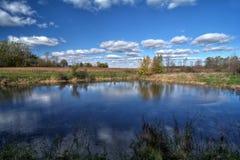 Land-Teich Lizenzfreie Stockfotos