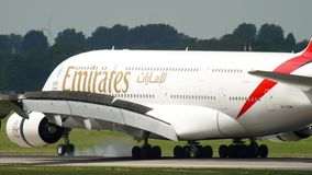 Landa för emirater för flygbuss 380 lager videofilmer