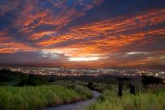 Landansicht des Sonnenuntergangs stockbild