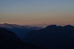 Landascape del otoño de Monte Rosa en la noche Foto de archivo