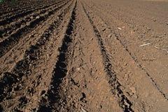 Landbearbeitung; bereiten Sie sich für das Pflanzen vor Stockbild