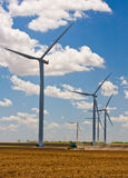 Landbouw en windturbines Stock Afbeeldingen