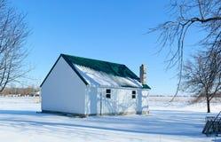 Landbouwbedrijf dat in de winter wordt afgeworpen Royalty-vrije Stock Foto's