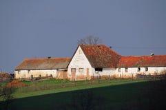 Landbouwbedrijf op de heuvel Royalty-vrije Stock Afbeelding