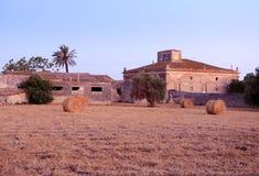Landbouwbedrijf in Sicilië stock foto's