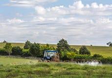 Landbouwbedrijftractor Stock Foto's