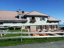 Landbouwbedrijven en weilanden van het Ostschweiz-gebied stock afbeeldingen