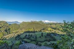Landbouwbedrijven in het platteland van Lago Ranco royalty-vrije stock fotografie