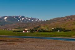 Landbouwbedrijven in hofdahverfi in Noord-IJsland royalty-vrije stock foto's