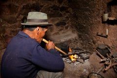 Landbouwer in een Hut, Zuid-Amerika royalty-vrije stock foto
