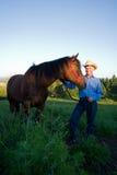 Landbouwer met Paard - verticaal Stock Foto's