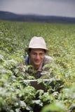 Landbouwer op de gebieden royalty-vrije stock foto