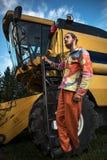 Landbouwer op tarwegebied royalty-vrije stock foto