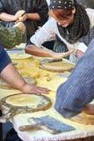 Landbouwers die talos in markt van Santo Tomas maken San Sebastian Royalty-vrije Stock Afbeeldingen