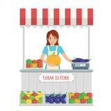 Landbouwersmarktkraam met fruit en groenten Stock Foto
