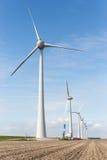 Landbouwgrond met bouwwerkzaamheid bij grootste windfarm van Nederland Royalty-vrije Stock Foto's