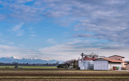 Landbouwlandschap met landbouwbedrijf Royalty-vrije Stock Fotografie