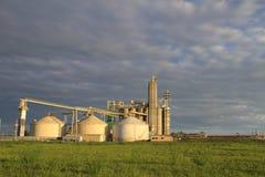 Landbouwmateriaal op een gebied Stock Afbeeldingen