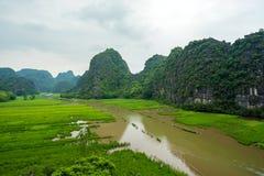 Landcape de Trang Tam Coc chez Ninh Binh, Vietnam Image libre de droits