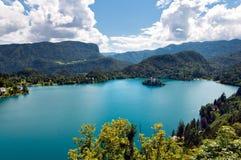Landcape sanguinato delle montagne e del lago in Slovenia Fotografie Stock Libere da Diritti