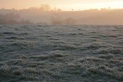Landelijk de winterlandschap, op een koude, ijzige ochtend royalty-vrije stock fotografie