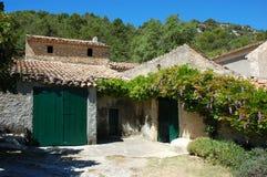 Landelijk huis in zuidelijk Frankrijk royalty-vrije stock afbeeldingen