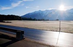 Landelijk landschap in de Alpen stock afbeelding