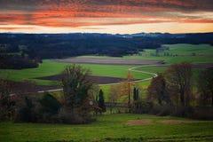 Landelijk landschap in de Beierse uitlopers Stock Afbeeldingen
