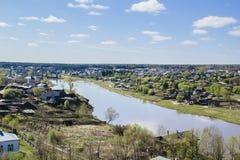 Landelijk landschap - Russisch dorp. Royalty-vrije Stock Foto's