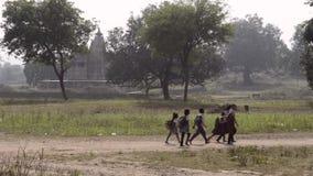 Landelijk Onderwijs in India stock footage