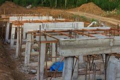 Landelijke bouw van concrete bruggen Royalty-vrije Stock Afbeelding