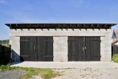 Landelijke garage van slakkenblokken Royalty-vrije Stock Afbeeldingen