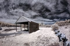 Landelijke het huismeer en weide van Tasmanige stock foto