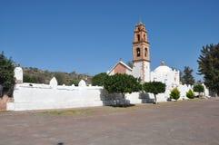 Landelijke kerk in Loma Huati, Mexico royalty-vrije stock foto's