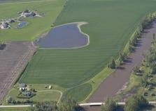 Landelijke landbouwgronden in de lente Royalty-vrije Stock Foto's
