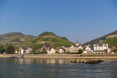 Landelijke mening over de rivier van Rijn royalty-vrije stock foto