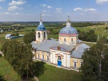 landelijke Orthodoxe kerk van de 19de eeuw in Rusland royalty-vrije stock foto's