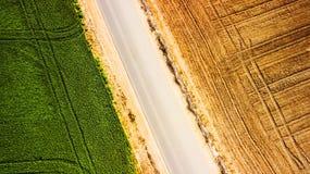 Landen Sie im Ruhezustand nach der Ernte, die wartet, in Israel gepflogen zu werden stockbilder