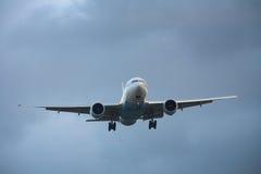 Landend vliegtuig royalty-vrije stock afbeelding