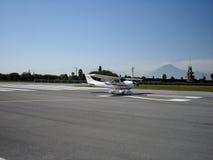 Landende Vliegtuigen Stock Afbeeldingen