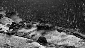Landform e Via Lattea unici Fotografie Stock Libere da Diritti