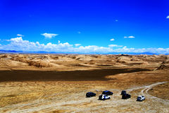 Landforms Yadan и пейзаж пустыни в тибетском плато стоковая фотография rf