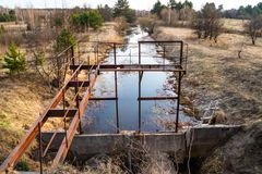 Landgewinnungssystem für Bewässerung von Feldern stockbild