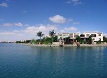 Landhäuser auf dem Strand lizenzfreie stockfotografie